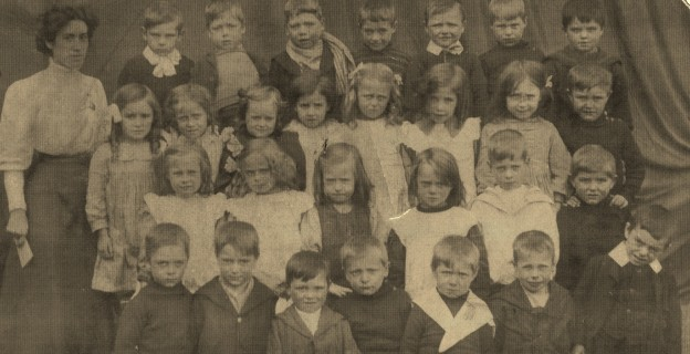 Jenny's class photograph. She is the first on the left in the second row. (Photo © Jean Chesters)